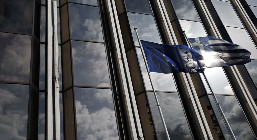 Grækenland vil ansøge EU om en forlængelse af sine lån i morgen, oplyser en talsmand for den græske regering til Bloomberg News.
