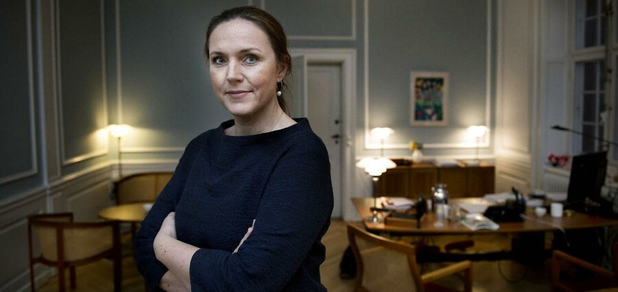 Justitsminister Karen Hækkerup trækker sig som justitsminister,
