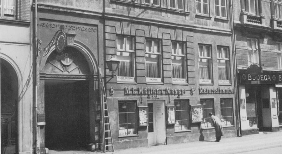 Baron Boltens gård i Gothersgade 8 blev opført i 1767 af en velhavende storkøbmand og skibsreder, der underskrev sig Heinrich Bolte, før han blev ophøjet til baron af Bolten. Foto fra omkring 1950, før der blev anlagt en arkade gennem stueetagen. København før og nu – og aldrig, bd. 5.