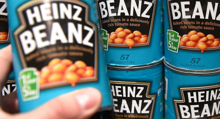 De to fødevareselskaber Heinz og Kraft Foods bliver smeltet sammen til et stort selskab og bliver dermed den femtestørste fødevarevirksomhed i verden.