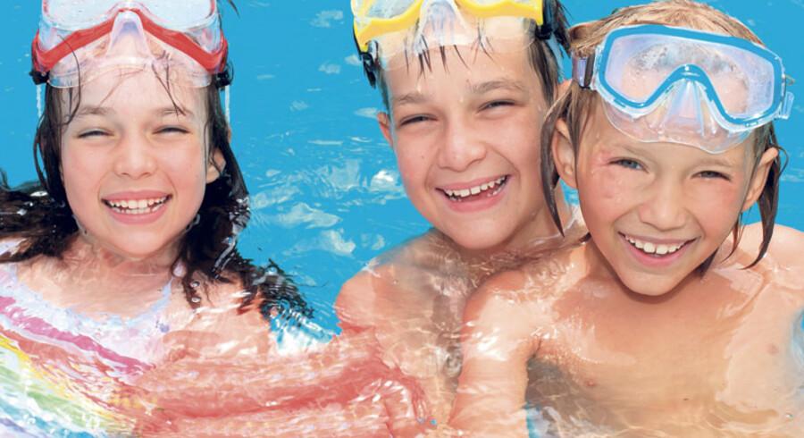 Uanset om du drømmer om badelandsferie med ungerne, cykelture i den skønne danske natur eller sommerhusferie på Bornholm, så er der billige feriemuligheder at finde.