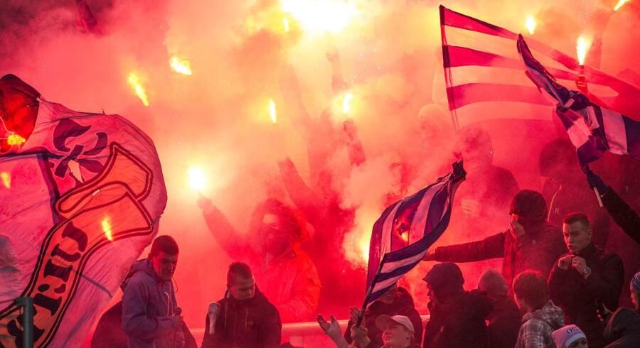 ARKIVFOTO: Superliga Fodbold 01.03.2015 - OB - FCKOB Sejr og glade OB fans.