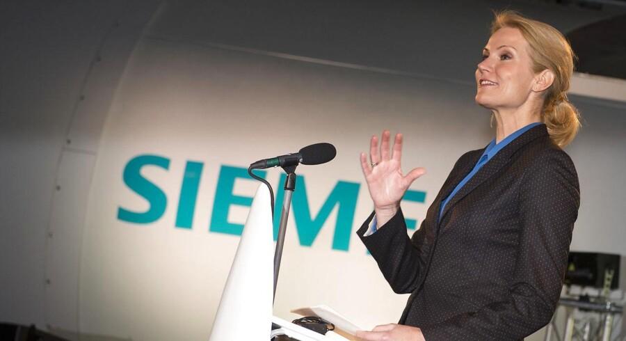Statminister Helle Thorning-Schmidt (S) under et nyligt besøg hos Siemens nye testcenter for vindmøller i Brande.