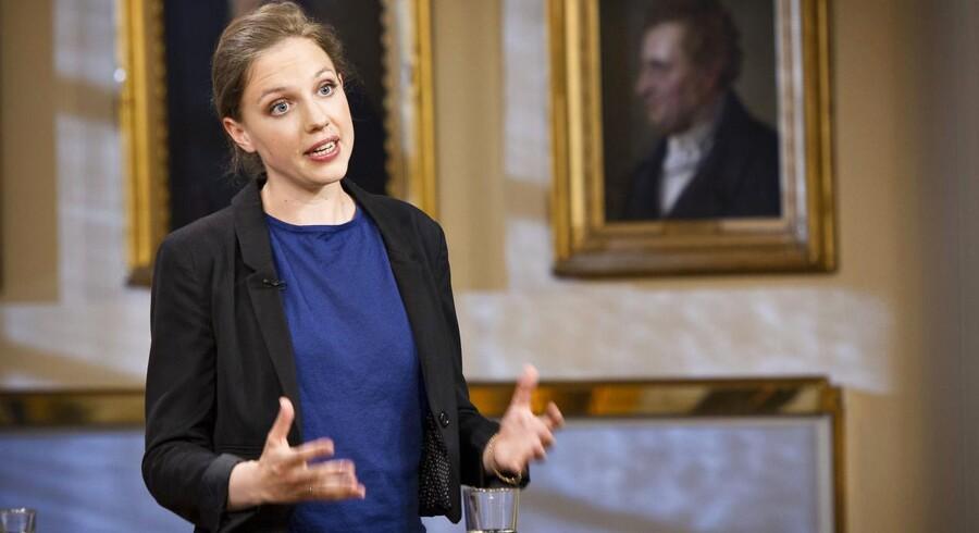 Rina Ronja Kari, medlem af Europa-Parlamentet for Folkebevægelsen mod EU, ønsker Europa-Parlamentets formands afgang.