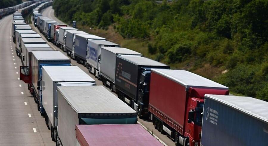 ARKIVFOTO. Det tyske selskab MAN, der er nok er mest kendt for sin produktion af busser og lastbiler, har nedjusteret forventningerne til årets resultat som følge af en stor omstrukturering af selskabets produktion og administration i Europa.