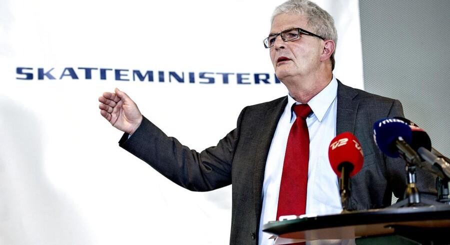 Holger K. Nielsen holder pressemøde, for at orientere om regeringens udspil til en samlet løsning på de offentlige ejendomsvurderinger.