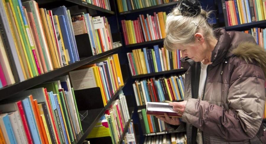 ARKIVFOTO. Biblioteket er i kraft af sin position som kulturinstitution forpligtet til at udfylde rollen som en art smagsdommer, hvor det bedste og mest interessante udbud på markedet bliver udvalgt og formidlet, lyder det fra dagens kronikører.