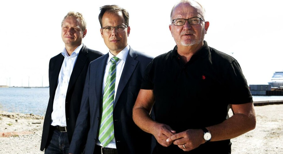 By & Havns direktør Jens Kramer Mikkelsen (til højre) har solgt en grund i Nordhavn til AP Pension - ved direktør Søren Dal Thomsen og ejendomsinvesteringschef Peter Olsson.