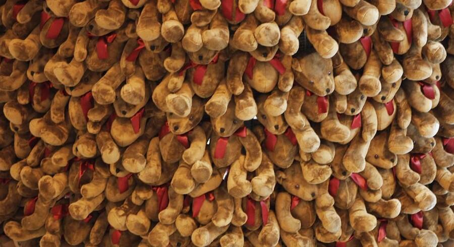 Bamser er stadig populære, og nu kan de måle dit barns hjerterytme. Her ses en bamseudstilling i Libanon.
