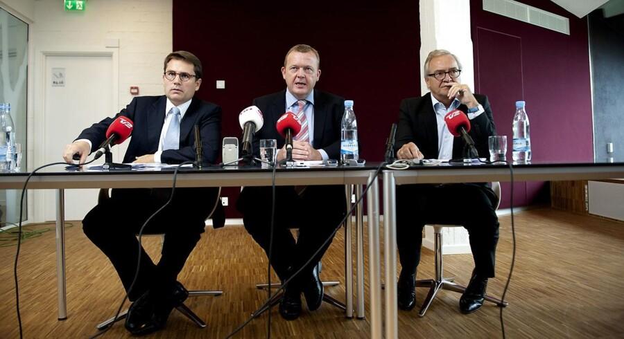 Pressemøde efter regeringens vækstforum på Copenhagen Business School fredag den 10. september 2010. Fra venstre, Erhvervs - og økonomiminister Brian Mikkelsen, statsminister Lars Løkke Rasmussen og Lars Nørby Johansen, der er formand for Danmarks Vækstråd.