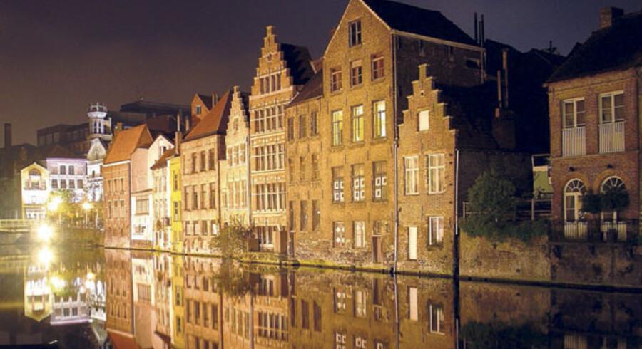Sejl en tur på kanalerne mellem de charmerende, gamle huse, nyd en god belgisk øl på en café, spis friske østers ved en gadebod eller gå på loppemarked og kom hjem med sjove ting. Belgiske Gent er en storbyferie-perle af de sjældne.
