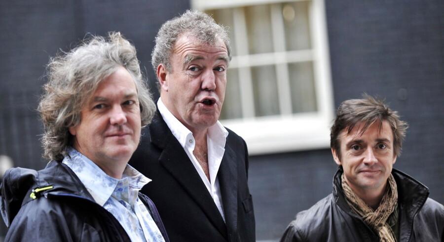 James May (tv), Jeremy Clarkson (i midten) og Richard Hammond (th) er værter i et af BBCs mest sete programmer.