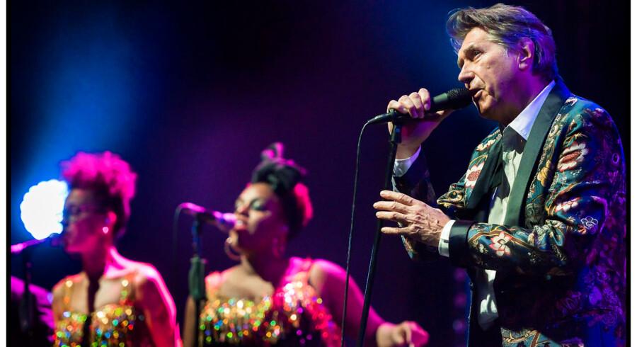 Brian Ferry på scenen i Tivolis Koncertsal tirsdag 21. oktober 2014. (Foto: Torben Christensen/Scanpix 2014)