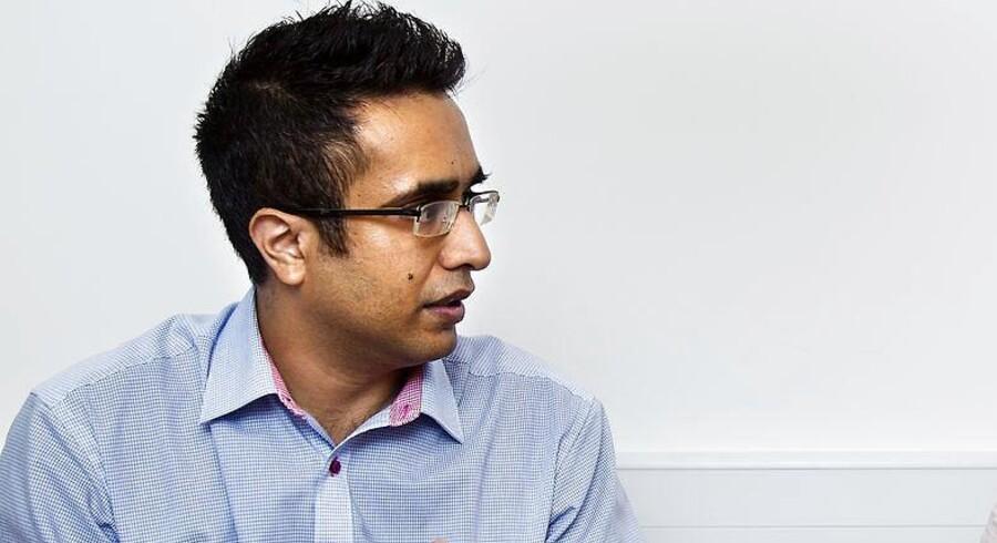 Nadeem Farooq (RV).