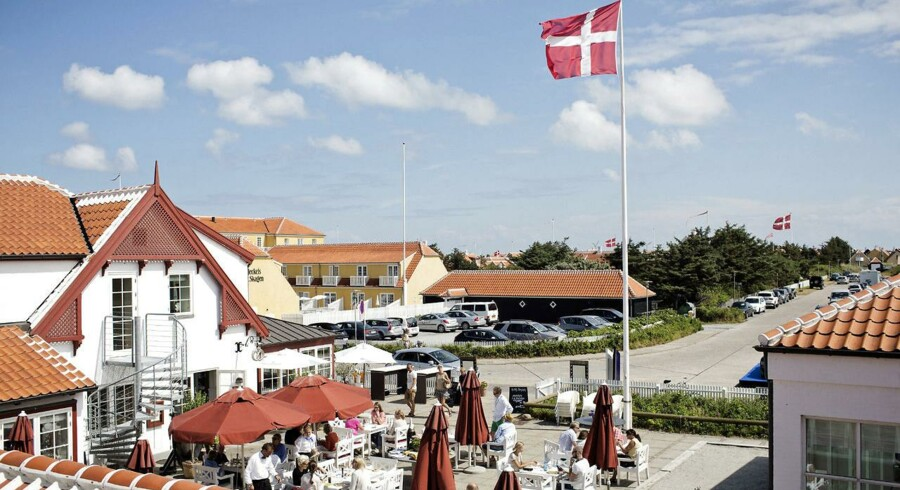 Den såkaldte Hellerup-uge i Skagen er i fuld gang. Her mødes den danske overklasse på terrasserne hos de forskellige restauranter.
