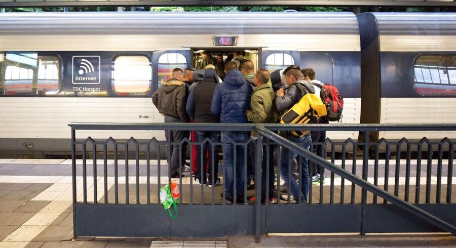 DSB anklages for at tjene penge på at sælge billetter til flygtninge. Billetter der er betalt for med penge, der er indsamlet i Tyskland.