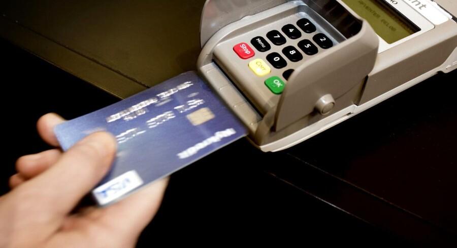 Skulle banken ikke have spærret afdødes dankort, spørger en læser af Brevkassen.