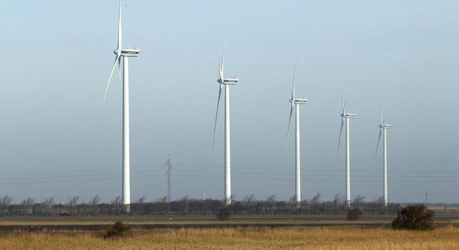 Vestas må afgive tronen til GE Wind i kampen om at være verdens største leverandør af vindmøller.