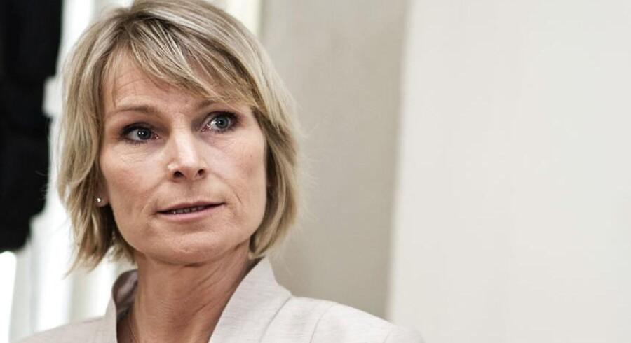 Tidligere undervisningsminister, Tina Nedergaard (V), er blandt de nordjyske politikere, der langer ud efter landsdækkende tv for i højere grad at droppe at få nordjyske politikere med i indslag.