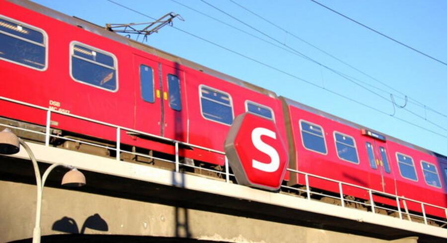 Fra 2. november kan S-togspassagererne i de fleste S-tog komme gratis på nettet under togturen. Foto: Brian Bergmann, Scanpix