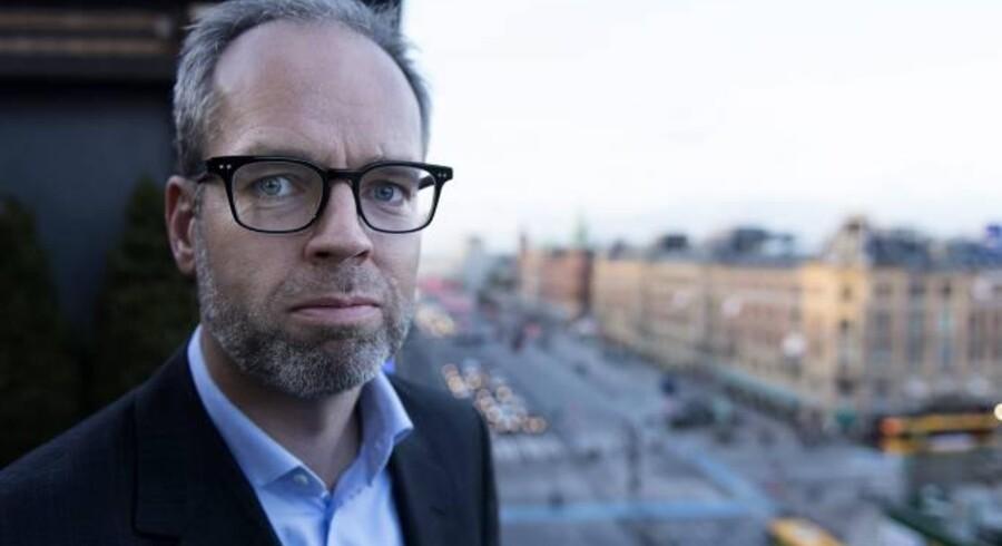 Som dansk chef for svenske Niam har Kristian Krogh netop købt ejendomme for 850 mio. kr. af Finansiel Stabilitet, men nøjes selv med små lokaler på et kontorhotel på Rådhuspladsen.