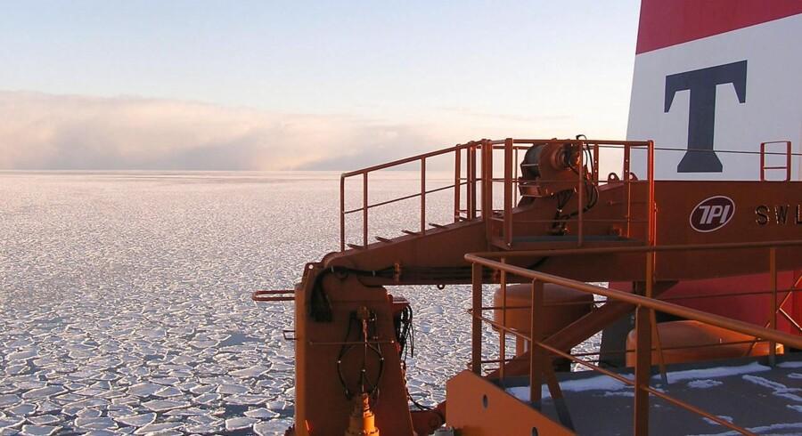 Trods et svagt marked for produkttank i tredje kvartal har rederiet Torm formået at øge skibenes daglige gennemsnitlige indtjening (TCE) med 16 pct., og driftsresultatet på EBITDA-niveau er steget til 14,2 mio. dollar fra 10,8 mio. dollar i samme periode året før.