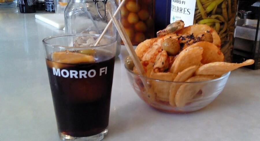 Morro Fi-kæden pakker en stribe lækre gavekurve, hvor vermuten kombineres med kædens andre produkter, der primært tæller kvalitetskonserves som ansjosfileter, muslinger, blæksprutter, grønne oliven, de små grønne pebre »piparres«, og den uforlignelige paprikabaserede salsa.