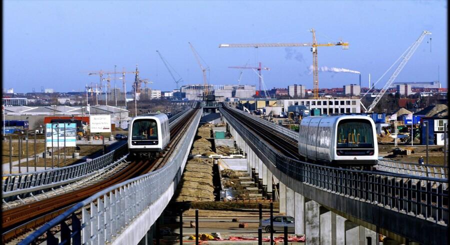 Der er sket markante budgetforandringer siden foråret 2012, hvor byggeriet var gået i gang. Således er der skubbet investeringer for godt tre milliarder kroner til perioden 2015-2018, når man sammenligner Metro-selskabets årsregnskaber for 2011 og 2012.
