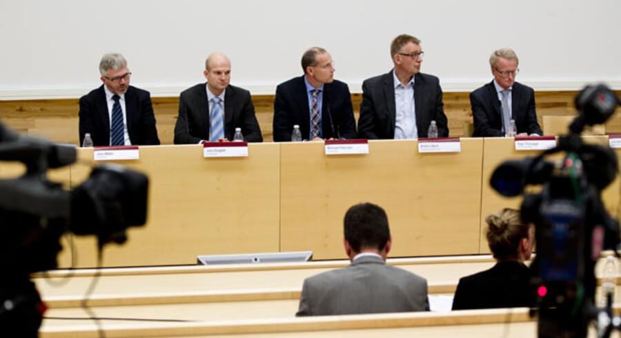 TV2 News havde fået et forspring via Vestjysk Banks bestyrelsesformand Carsten Andersen i forhold til pressemødet, hvor bankens direktør blev fyret.