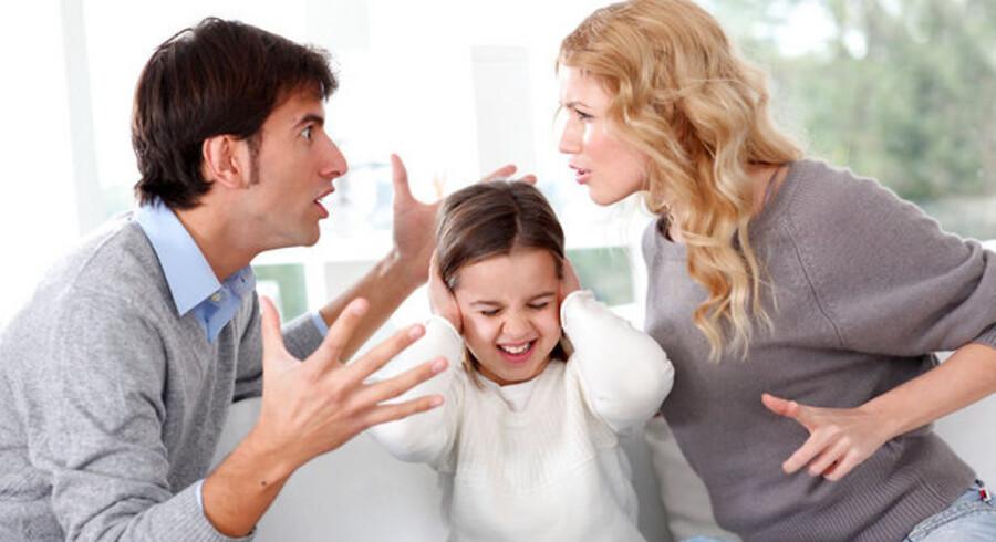 Skilsmisse kan ende som en kamp om både børn og økonomi - og ofte blandet sammen.