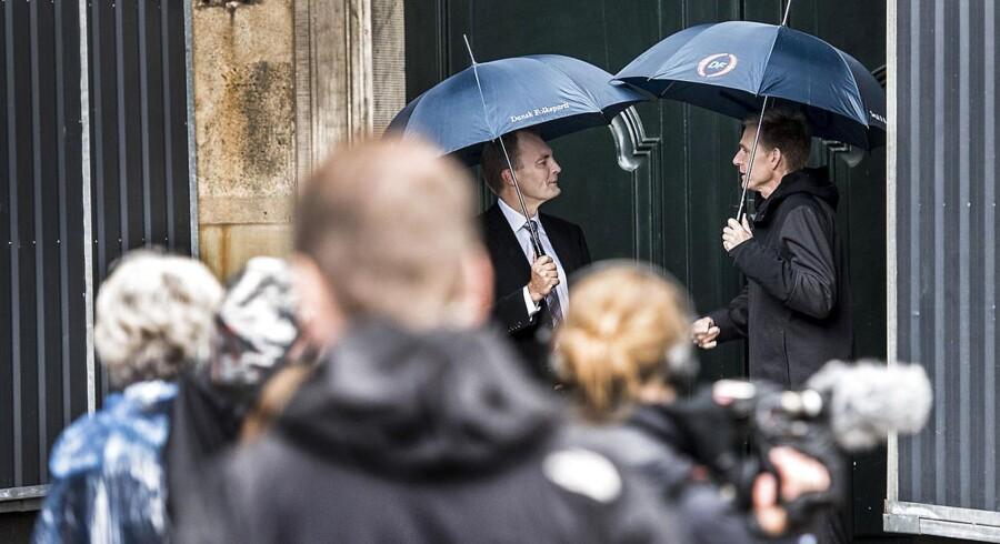 Dronningen fik for anden gang på ganske få dage besøg af partilederne, der efter weekendens fejlslagne forhandlinger, skulle pege på den, de ønsker skal lede regeringsforhandlingerne. Se billederne fra Amalienborg her.