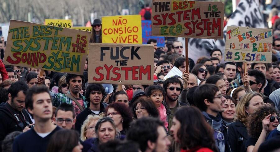 Demonstrationer i Lissabon over den store ungdomsarbejdsløshed.