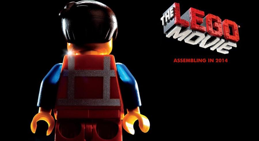 »The Lego Movie« har Phil Lord og Christopher Miller på instruktørposten og hos filmens figurer lægger blandt andet Chris Pratt, Morgan Freeman og Elizabeth Banks stemmer til.