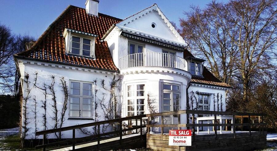 Bolipriser. Villa i Snekkersten, Strandvejen 98b til salg hos Home.