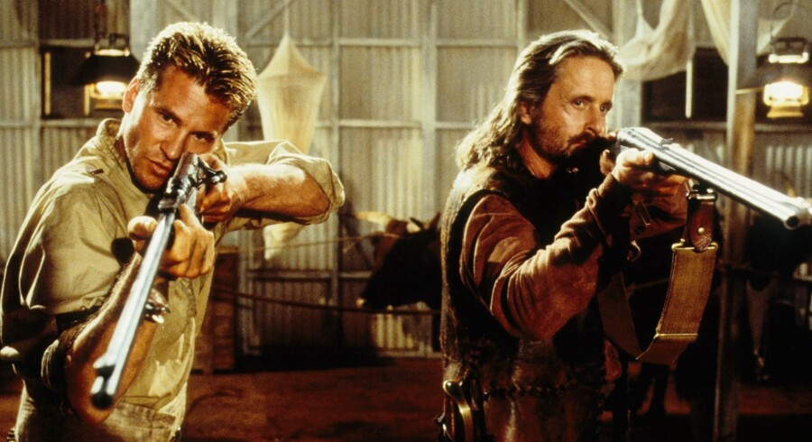 Val Kilmer og Michael Douglas i »The Ghost and The Darkness« fra 1996.
