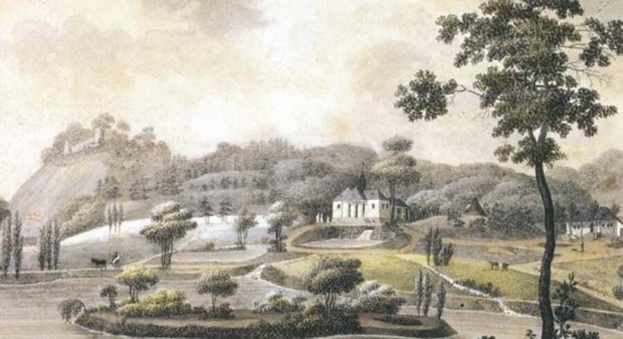 »Liselund på Möen i Dannemark«. Til venstre Bastionen, der forsvandt i Østersøen, i forgrunden søerne med øer. Koloreret stik dateret 1805 af Søren Læssøe Lange (1760-1828).