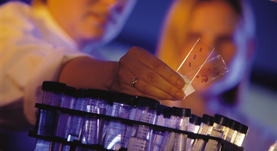 Danske biotekselskaber står stærkt i den globale konkurrence, men indtil nu er der dog kun kommet ét kræftmiddel på markedet.