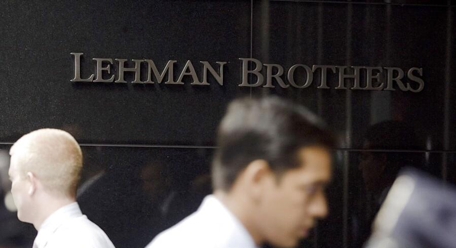 Lehman Brothers krak bliver af mange betragtet som finanskrisens begyndelse. Nu viser en opgørelse, at kollapset indtil videre har kostet 2,2 milliarder dollar.
