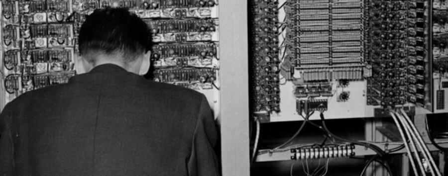 """Danmarks første """"elektoniske hjerne"""", datamaskinen DASK fra 1958"""