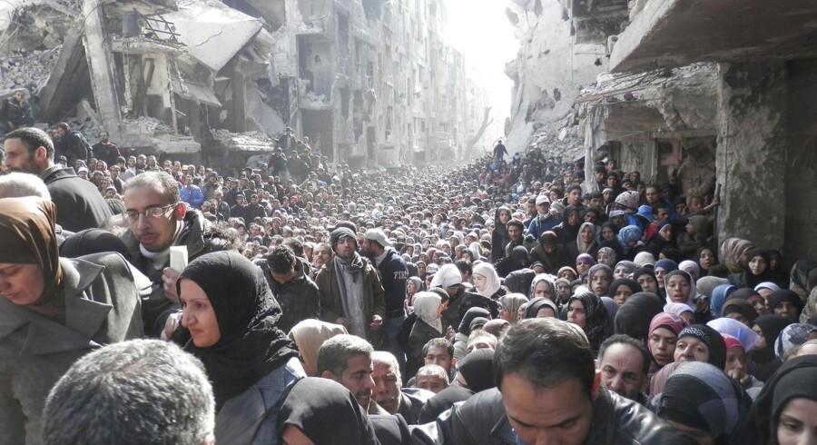 Et billede af apokalyptiske scener i den belejrede Yarmouk-lejr i Syrien har for en stund skabt fokus på de civilbefolkningens lidelser under midt i borgerkrigen.