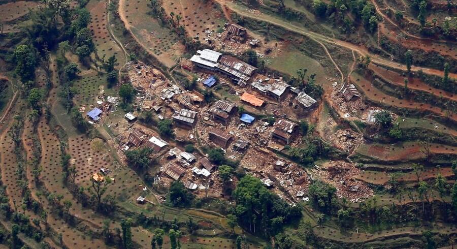 Luftfoto af ødelæggelser af landsbyer i Sindhupalchwok-distriktet 75 kilometer fra Kathmandu.