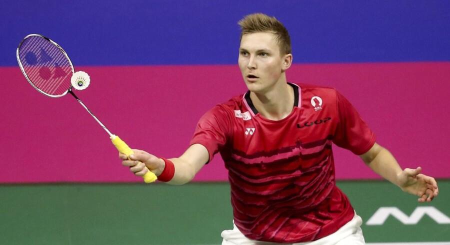 Viktor Axelsen besejrede overlegent engelske Rajiv Ouseph i søndagens finale ved EM i badminton.