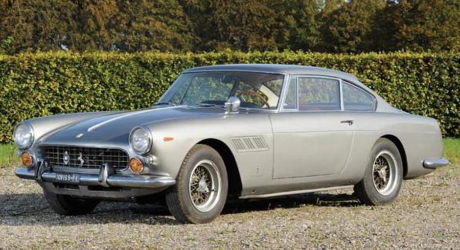 Denne Ferrari 250 GT/E fra 1963 vurderes til at være mellem 334.000 og 408.000 kroner værd.