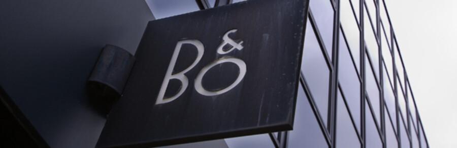 B&O satser på, at det nye,  billigere TV – Beovision 8 – lokker flere kunder ind butikkerne, der ellers har stået uhyggeligt tomme det sidste stykke tid, med sivende omsætningstal og en blødende bundlinie som følge. Til august ventes årsregnskabet med spænding.