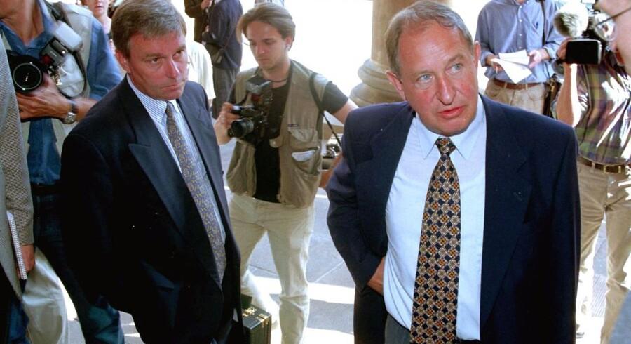 To af forsvarerne i Nordisk Fjer sagen efter domsafsigelsen tirsdag udenfor Københavns byret, John Korsø Jensen (tv) og J. Gamborg. NORDFOTO 1996