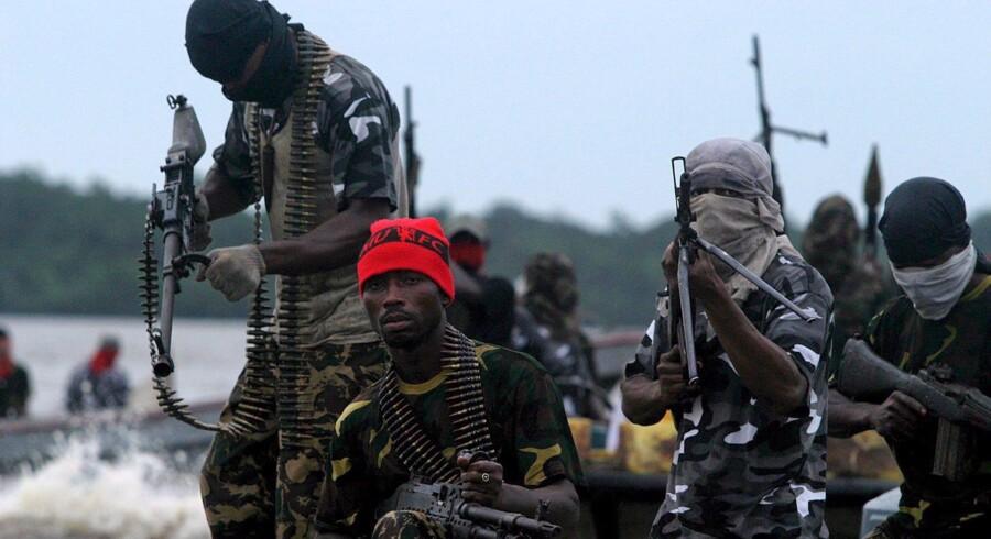 Piraterne ved den afrikanske vestkyst er langt mere aggressive end ud for f.eks. Somalias kyst, hvor danske rederier opererer. Derfor kræver Danmarks Rederiforening handling nu. Foto: George Esiri/EPA