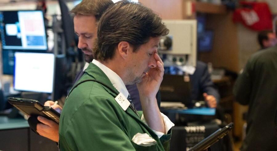 Det startede i Asien og nu er de europæiske aktiemarkeder fulgt med på samme vej. Det er ned.