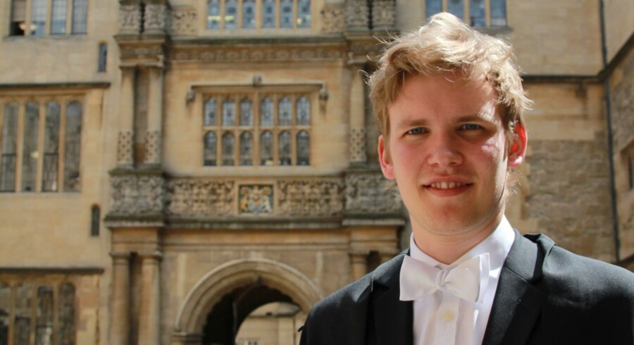 Anders Krohn er en af de få danske studerende på det hæderkronede University of Oxford. Han skaffede selv en plads på drømmeuddannelsen Economics and Management efter et solidt benarbejde: »Studievejlederne var ikke afvisende – de anede bare ikke, hvad de skulle gøre,« fortæller han. Foto: Michael Lee