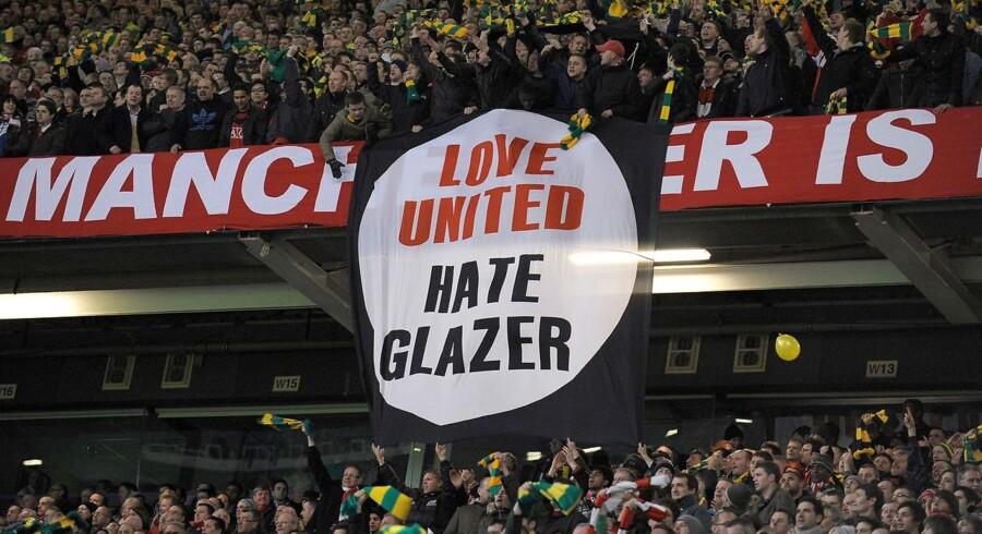 Glazer-familien har ikke været populære blandt Manchester Uniteds fans. Nu sender familien 30 procent af fodboldklubben på børsen i Singapore.