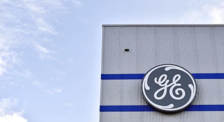 Den amerikanske teknologi- og servicekoncern General Electric nærmer sig en aftale om salg af en enhed, der laver store industrimaskiner, til kapitalfonden Advent International.